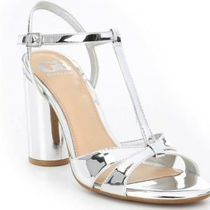 New Gianni Bini cylinder heel silver sandals